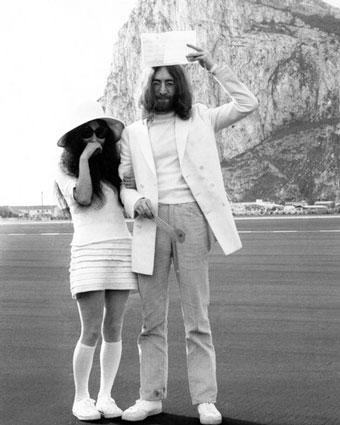 Yoko Ono couple